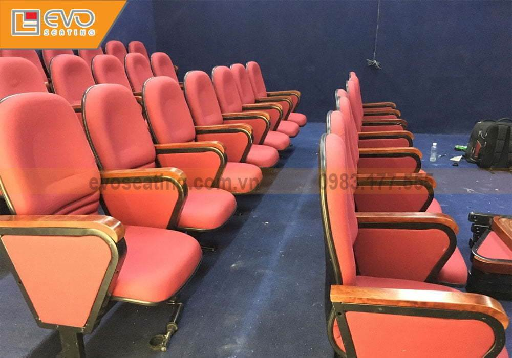 Các hàng ghế được sắp xếp theo kiểu bậc thang | Dự án hội trường tại trường mầm non SIK
