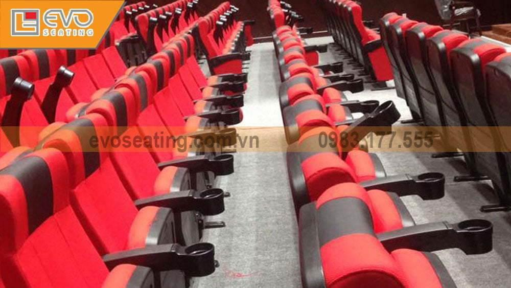 Một Góc chụp nhiều ghế